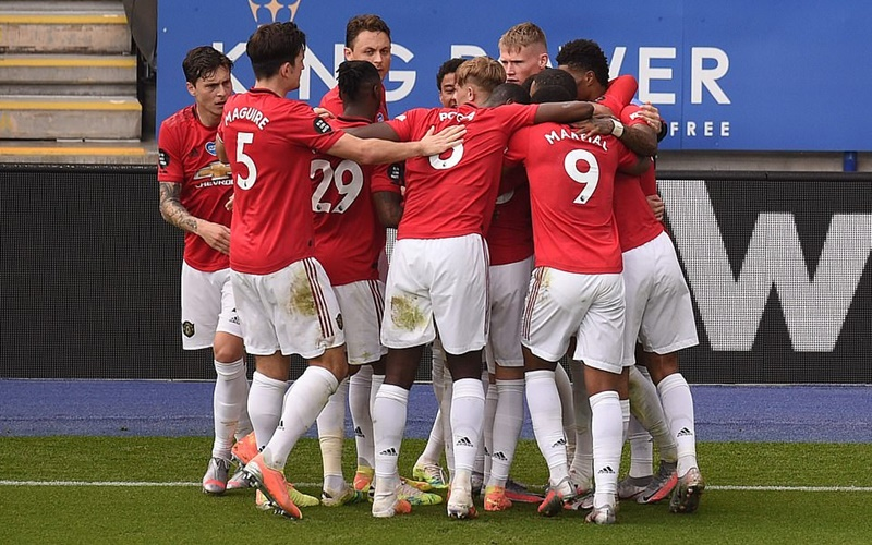 Football fans react to Man. U's surprising qualification for Champions league despite being 15 points behind Leicester at a point in time