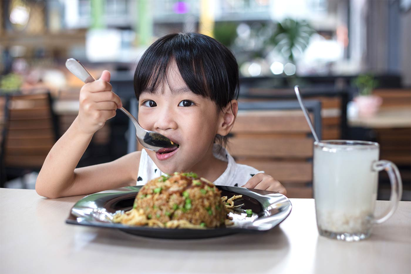 How to Encourage Table Manners in Kids