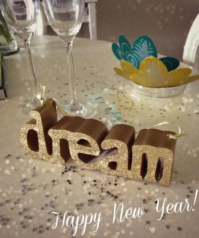 a3297-dream-new-year-2014-happy-new-year-fashion-style-elixir-www-stylelixir-com-blog-champagne-celebrate
