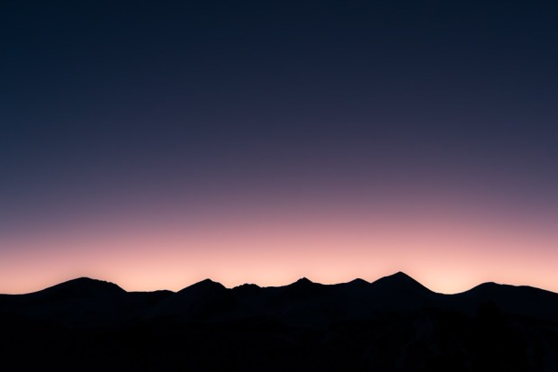 mountain-range-sunset