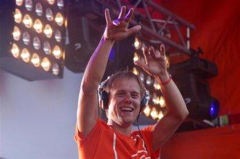Armin van Buuren (31).JPG