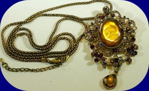Avon Vintage Glass Cameo