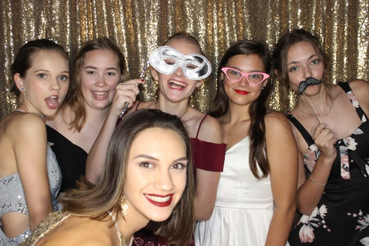 GALLERY: Homecoming Photo Booth!