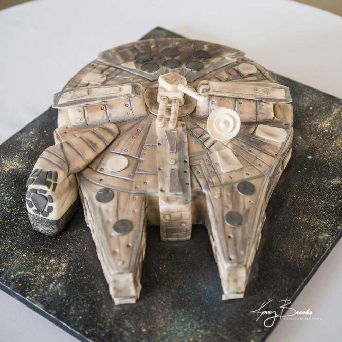 Millenium Falcon, Millenium falcon cake, star wars cake, star wars