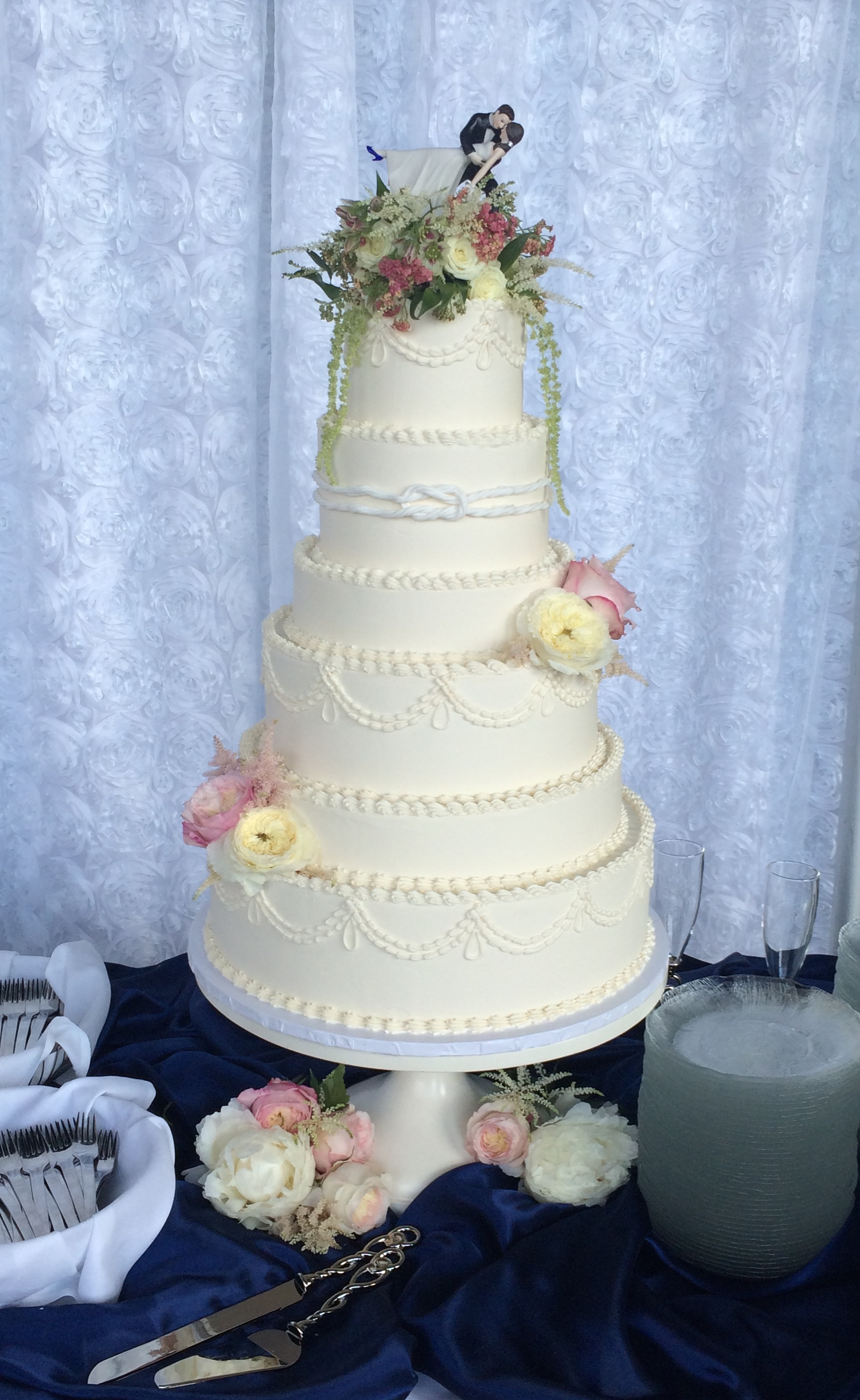 Buttercream wedding cake, hand piping, buttercream piping, buttercream
