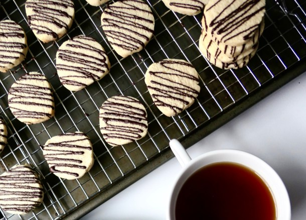 Vegan Shortbread Cookies With Dark Chocolate Drizzle - Slice Of Honey Blog