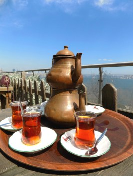 Turkish tea in the open air tea garden in Gülhane Parkı