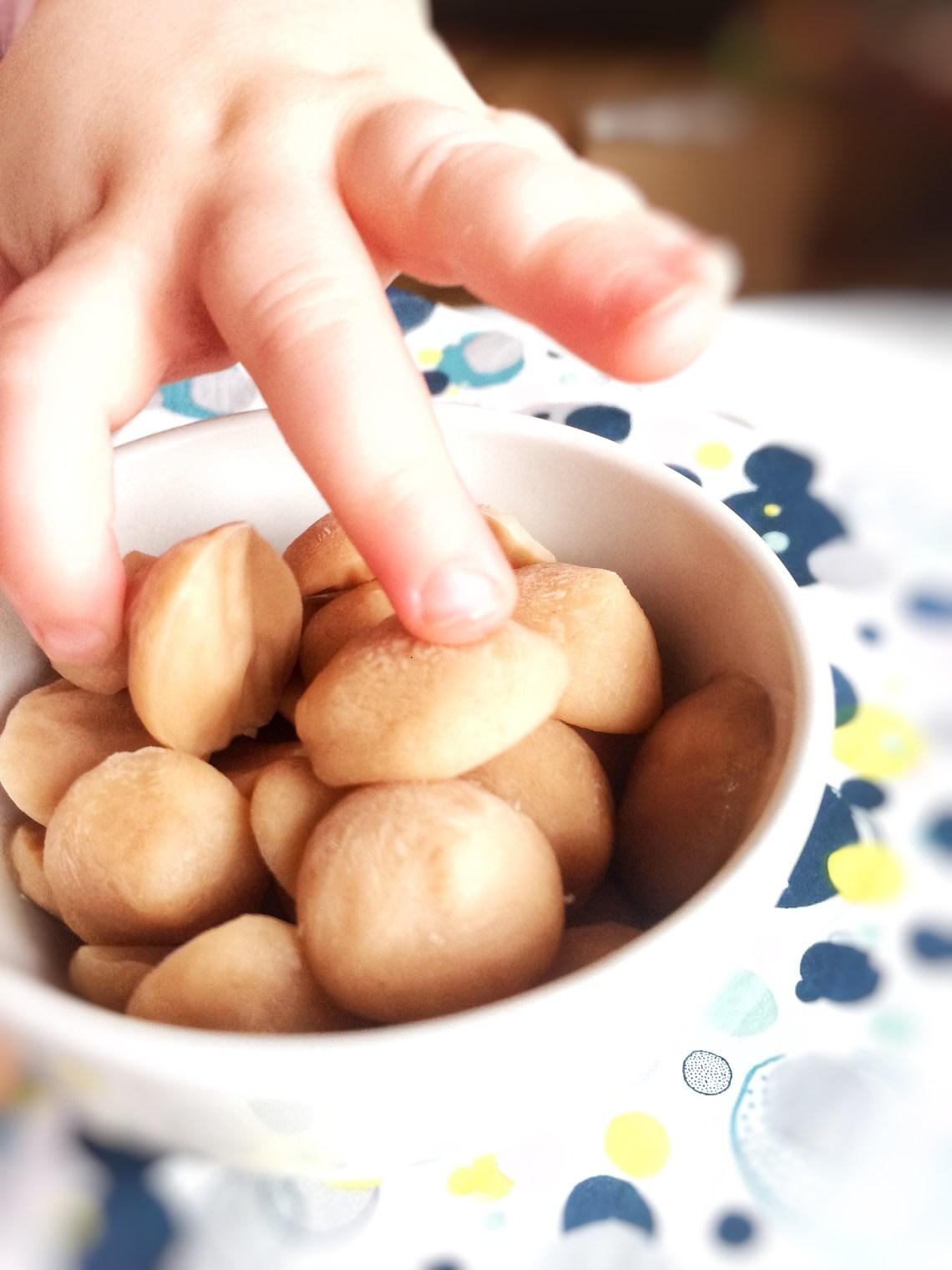 frosne yoghurt dråber / yoghurt melts / snack til baby / babymad / hurtig mad til baby