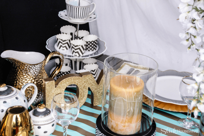 Black, Gold and Teal Christmas Tablescape