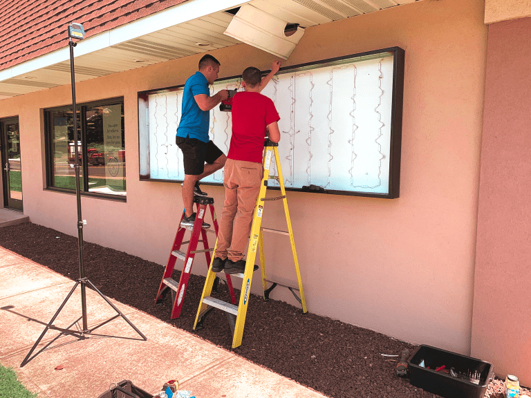 commercial sign companies