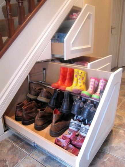 """Podpowiedź """"storage-owa"""" dla posiadaczy schodów"""