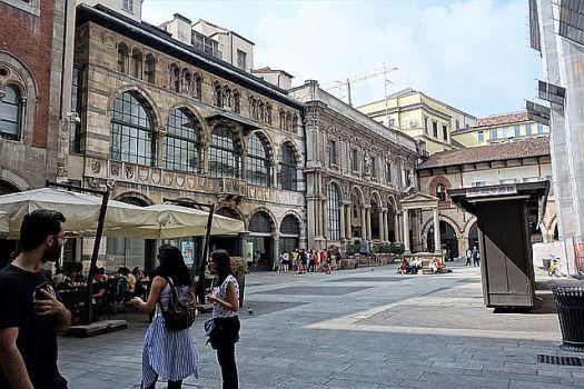 Piazza Mercanti (I think)