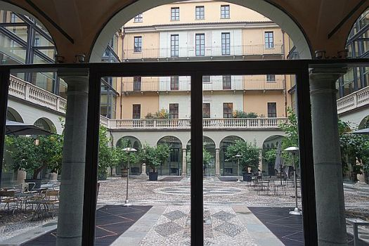 The hotel courtyard - not too shabby