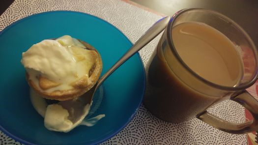 Mince pie, vanilla cream, cuppa tea!