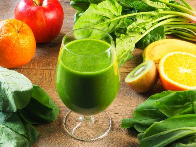 ダイエットするならグリーンスムージーで健康も手に入れよう