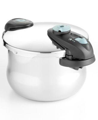 Fagor Futuro Pressure Cooker, 6 Qt.