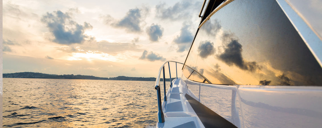 Motor Yachts - Slip Aweigh Charters