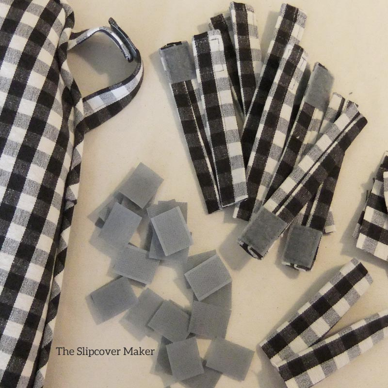 Gingham Chair Pad Tabs