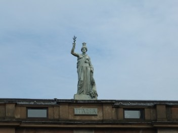 The statue of Italia on the outside of the Italian centre