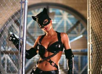 catwoman-2004-movie-3