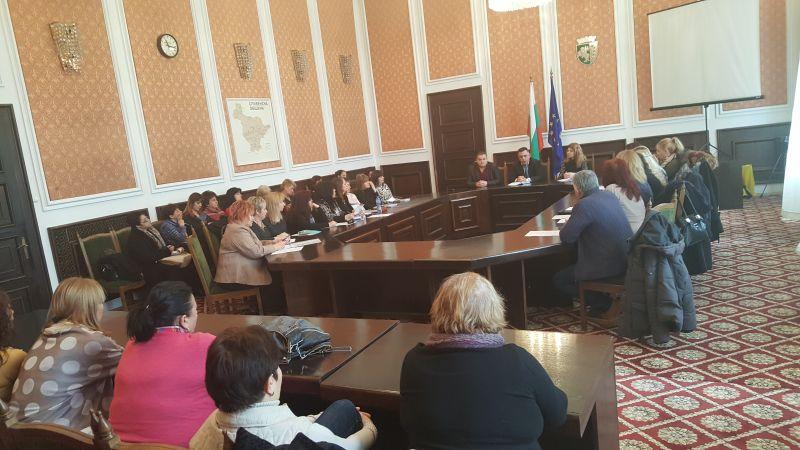 Общинското ръководство и директорите на детски градини в Сливен обсъдиха отчетността на бюджетите