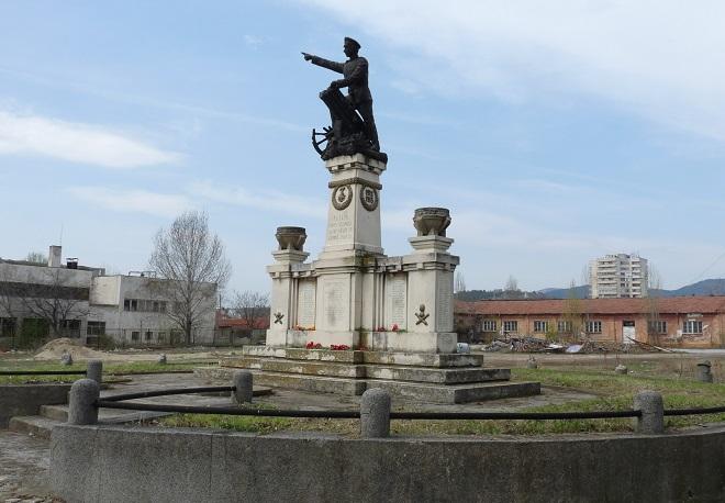 Има нова дарителска сметка за паметника на Шести артилерийски полк в Сливен
