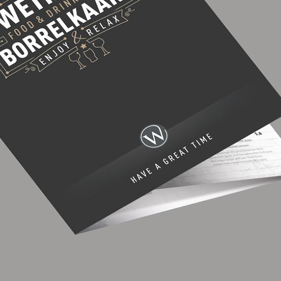 Realisatie horeca drukwerk voor Denekamp. Handzame en beknopte kleine menukaart gedrukt als 6-luik en voorzien van mat-laminaat.