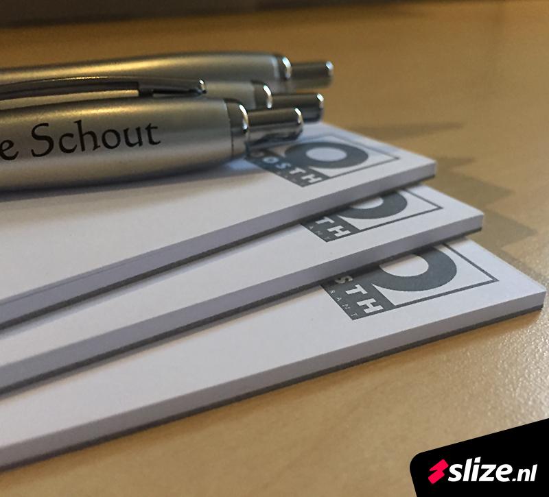 Horeca drukwerk | Bedrukte schrijfblokken en pennen met logo