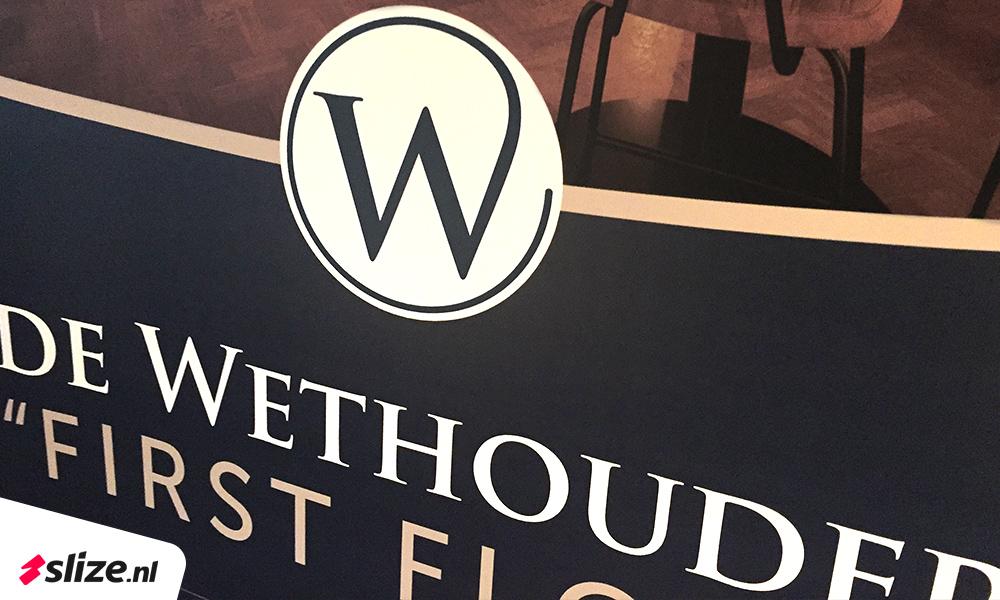 De Wethouder First Floor - Logo banner bedrukken