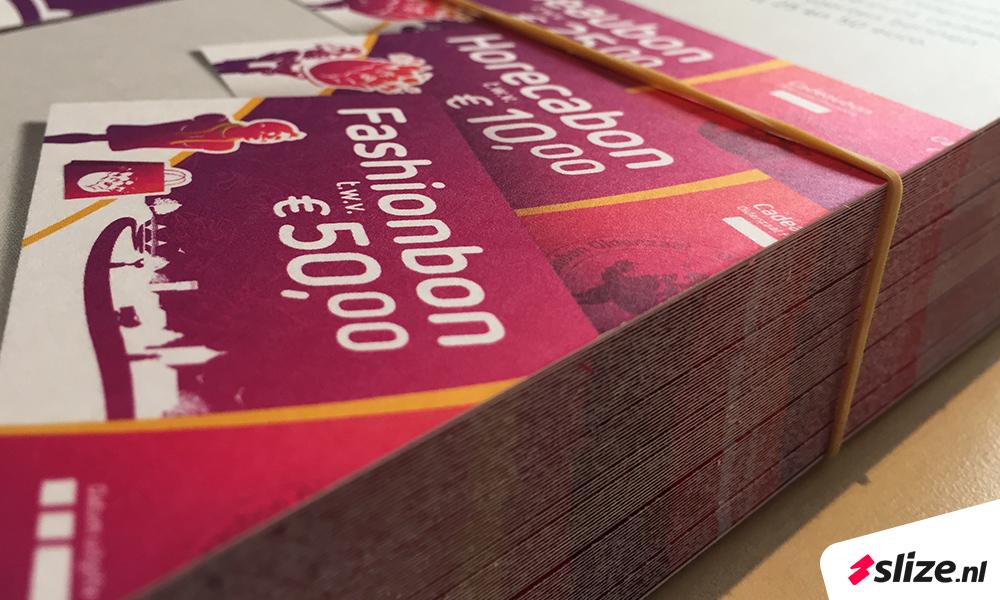 Goedkoop drukwerk Oldenzaal - Serie flyers drukken op speciaal papier