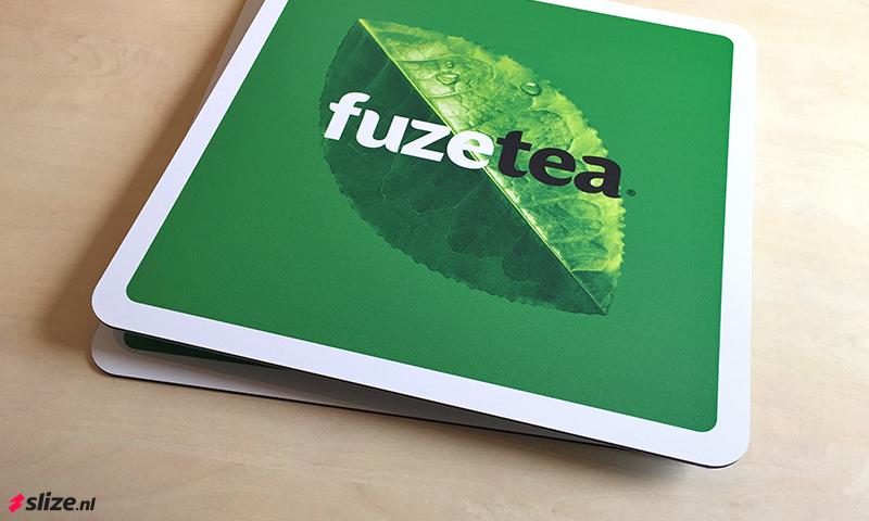 Fuze Tea logo bordjes bedrukken