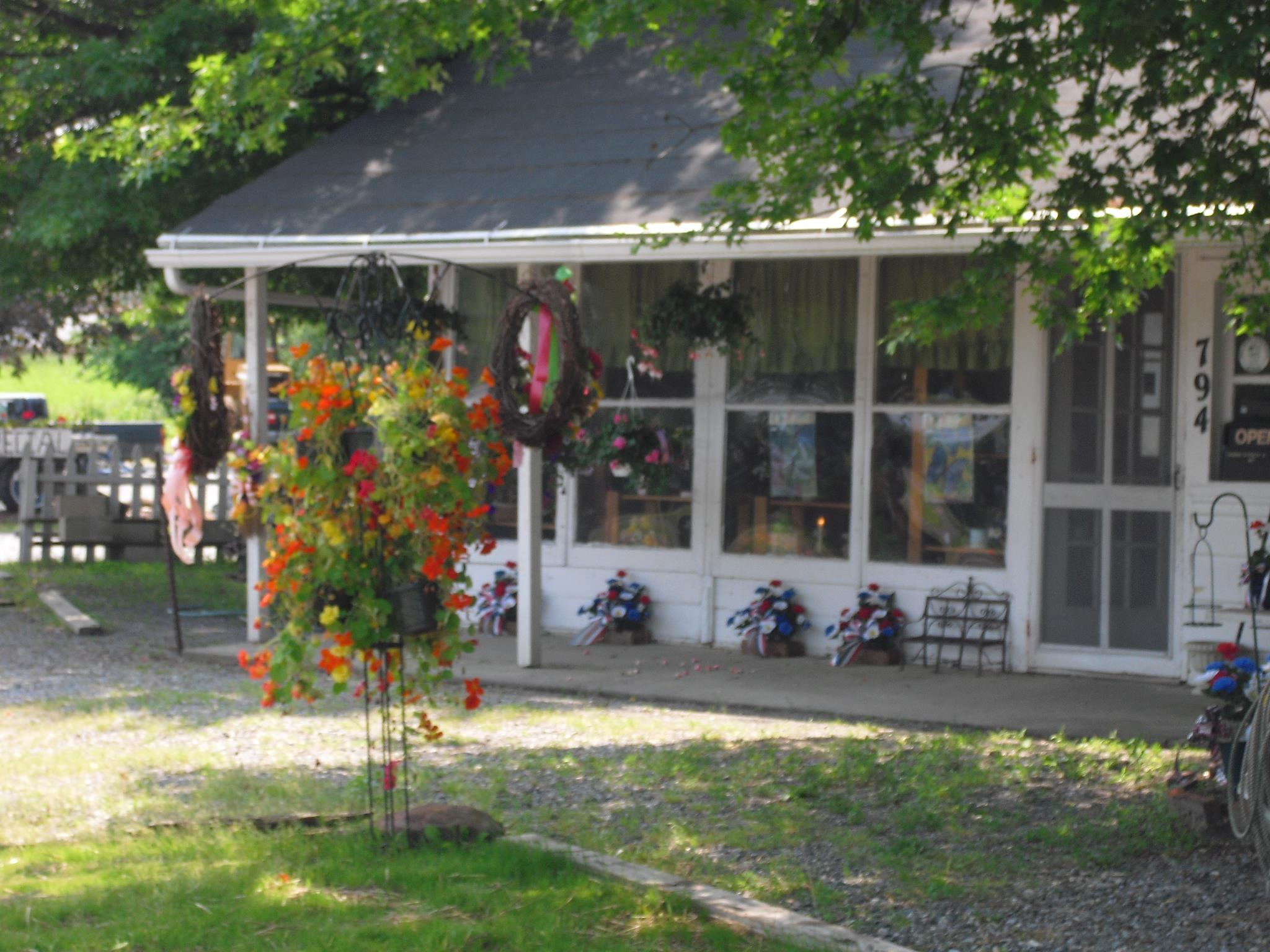 Sloan S Flower Shop And Greenhouses A Family Owned Florist