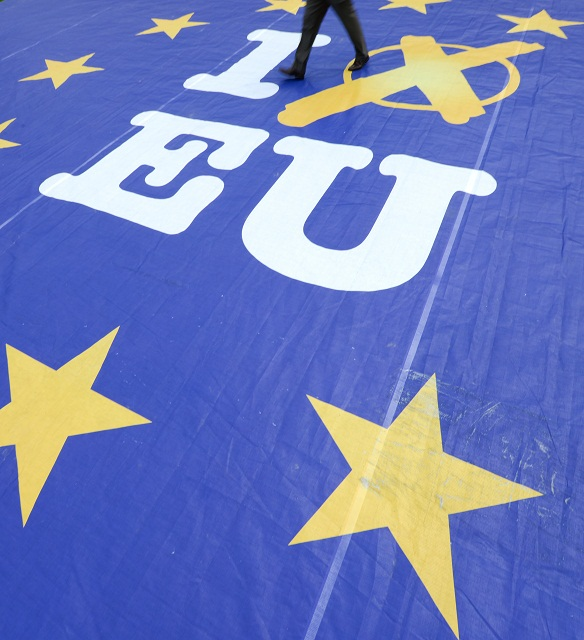 Ísť či neísť voliť v sobotu našich ľudí do európskeho parlamentu? O čom vlastne bude táto voľba?