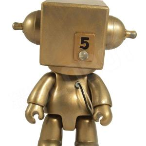 Mike Slobot 5 - Sentinel Class Moon Robot gold Qee front
