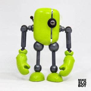Mike Slobot Robot Pop Art GrunWalker Front