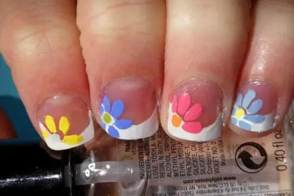 14 Flowery Spring Nail Art Designs