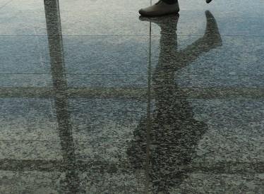pies en el aeropuerto (7)