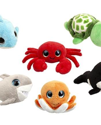 Plišanac Morska Životinja 10cm. Simpatična i mekana plišana igračka u obliku morske životinje sa glitter očima.