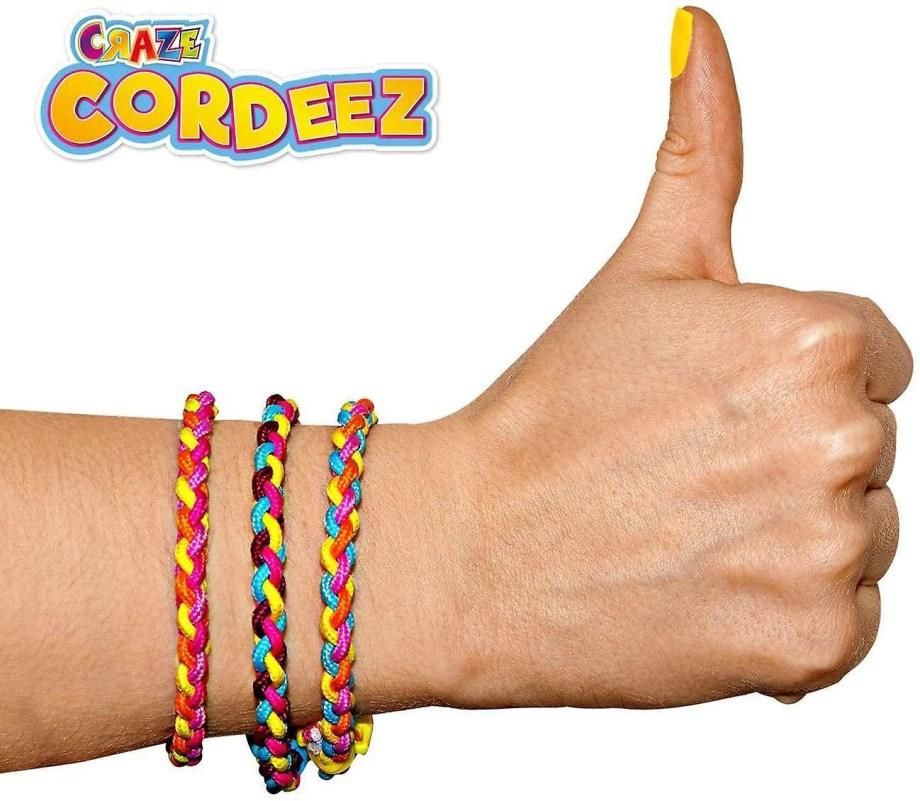 Soy Luna set za izradu narukvica, Craze Cordeez. Kreativni set za izradu narukvica Soy Luna je savršeni set za Vašu tinejđericu.