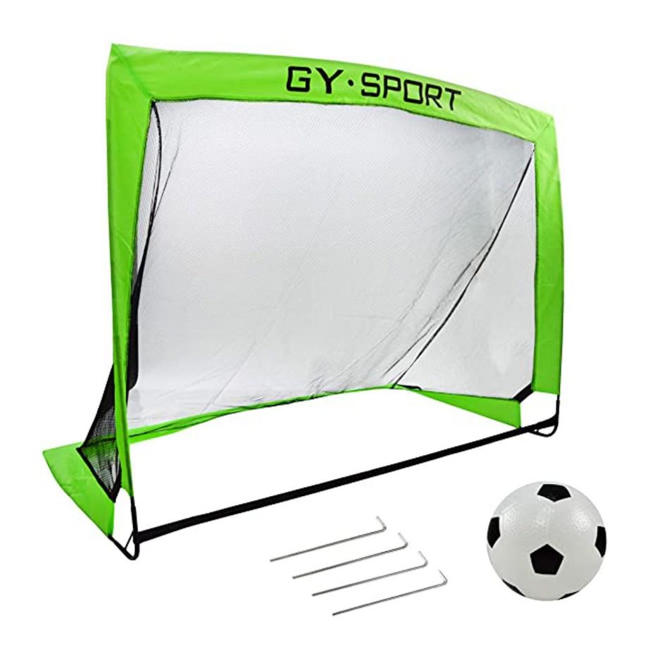 Sklopivi nogometni gol, prenosivi gol za nogomet. Nogometni gol je namijenjen za rekreativno igranje nogometa kod kuće, na igralištu ili u parku. Ovaj prenosivi set je jednostavan za montažu i lagan za prenošenje.