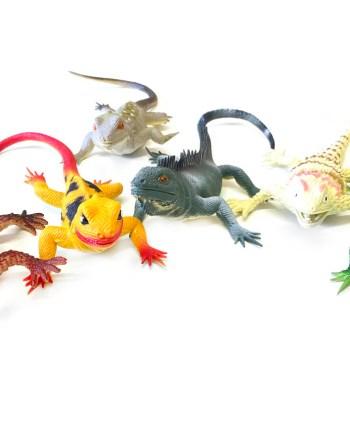 Gumeni gušteri, Životinje gumene gušteri - gmazovi. Za svu djecu ljubitelje gmazova ova igračka biti će savršen poklon. Gušteri su realistični te su napravljeni od kvalitetne gume.