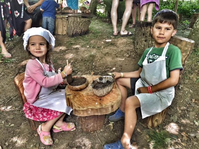 Camp Bestival mud pie making