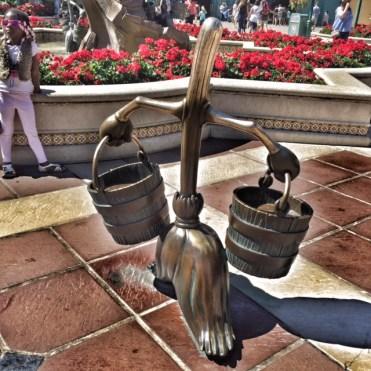 Disneyland Paris Fabtasia broomstick