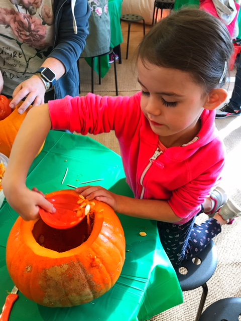 Butlins Bognor Regis 2017 Kara pumpkin carving
