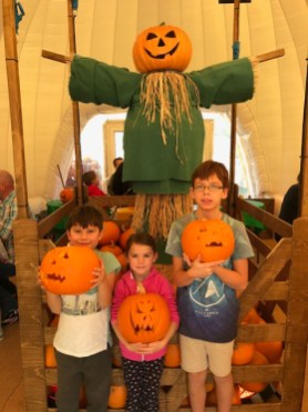 Butlins Bognor Regis 2017 kids with pumpkins