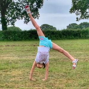 Kara the human gymnast emoji