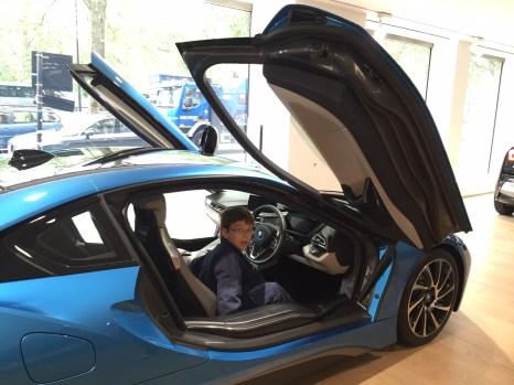 Isaac BMW i8