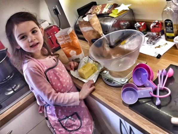 kara-baking-in-the-kitchen