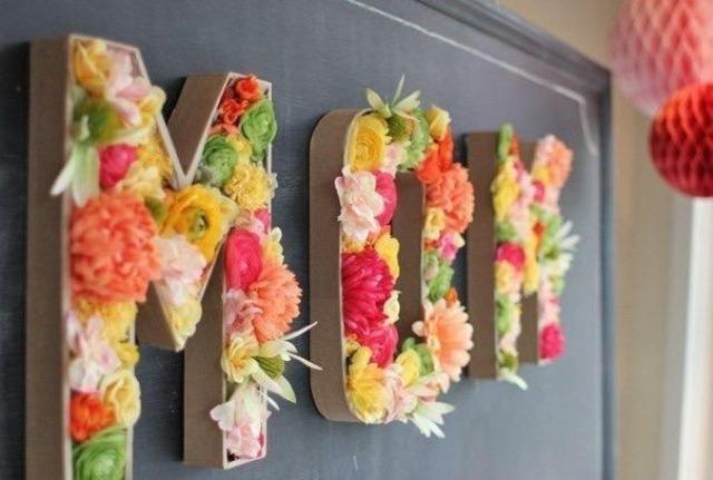 Буквы с живыми цветами