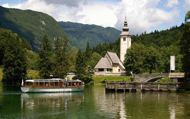 The perfect ride on the Bohinj lake
